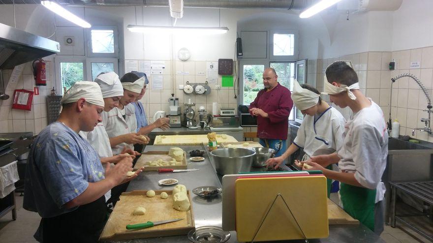 Mysłakowice: Kucharz – bezpłatna nauka zawodu w szkole z internatem