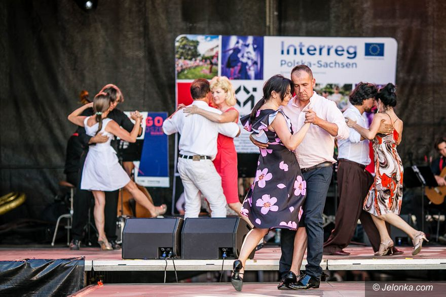 Jelenia Góra: Tango pod Ratuszem!