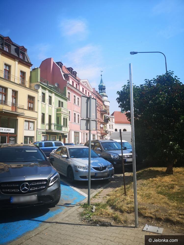 Jelenia Góra: Parkowanie w mieście (chwilowo) darmowe?