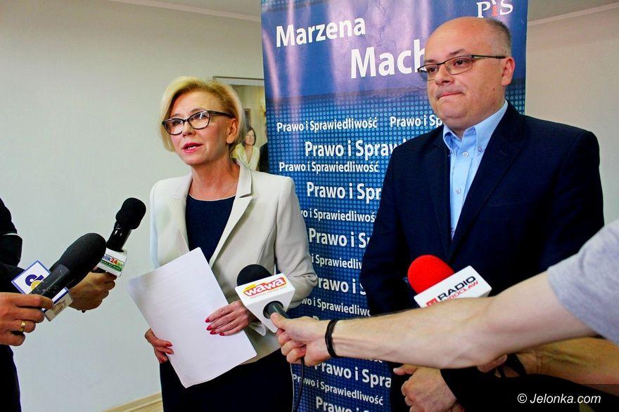 Jelenia Góra: Politycy PiS spokojni o oświatę