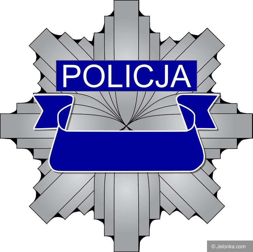 Jelenia Góra: Przed policjantami schował się w szafie