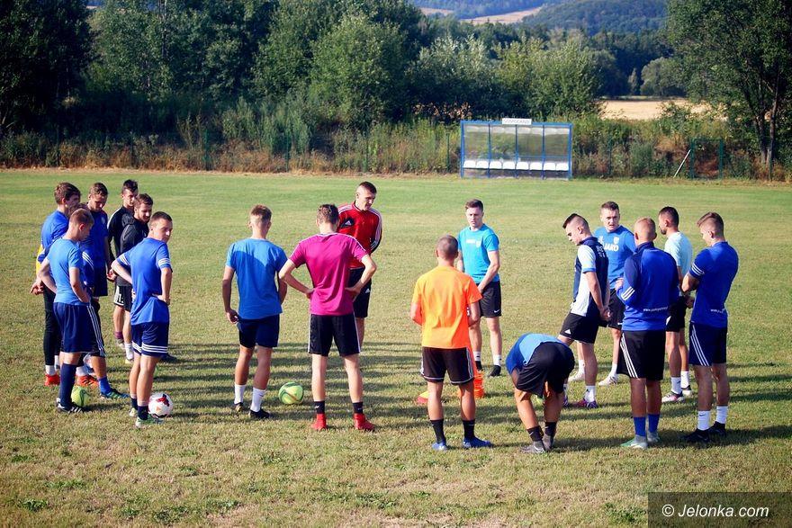Jelenia Góra: Nowi piłkarze w Karkonoszach – w sobotę sparing
