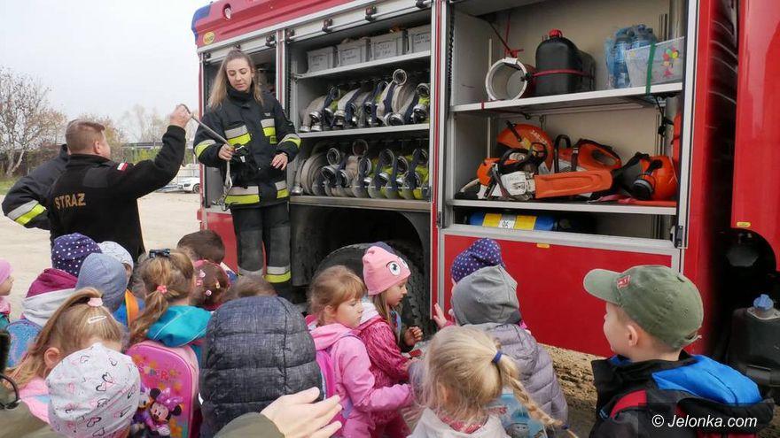Jelenia Góra: Przedszkolaki u strażaków