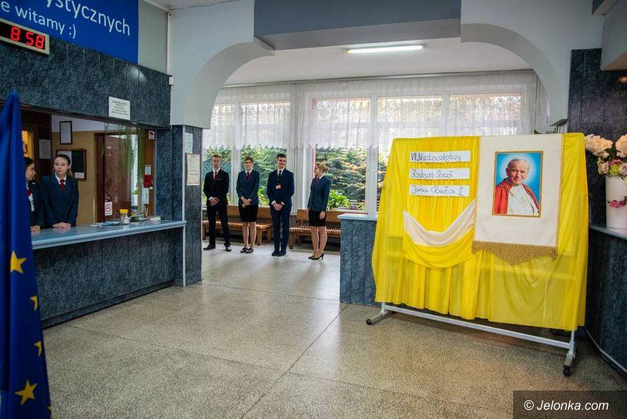 Jelenia Góra: Konkurs Papieski