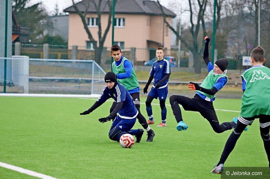 Jelenia Góra: Grad bramek w starciu z Wałbrzychem