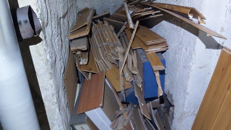 Jelenia Góra: Spalał części mebli