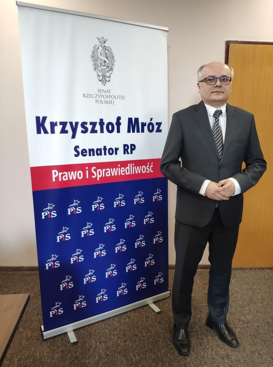 Jelenia Góra: Senator odpowiada prezydentowi