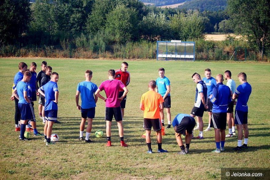 Jelenia Góra/Kraj: Co dalej z piłkarskim sezonem 2019/2020?