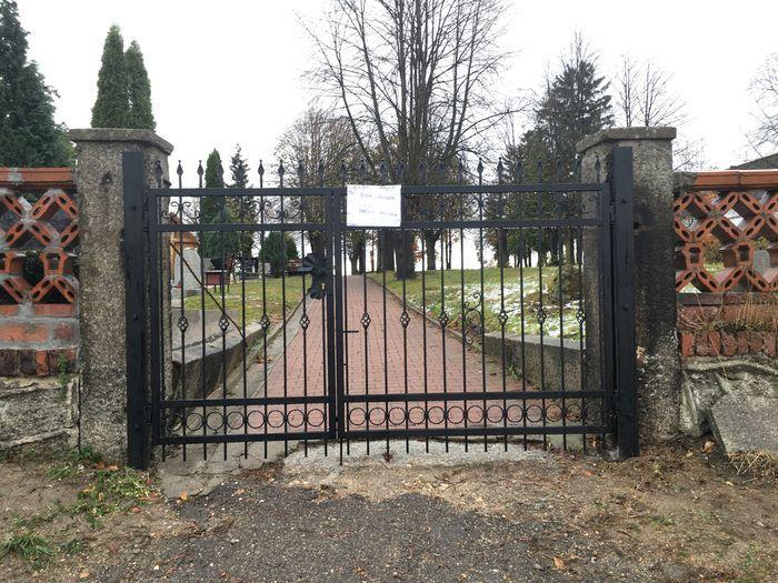 Łomnica: Rozbudowa nekropolii