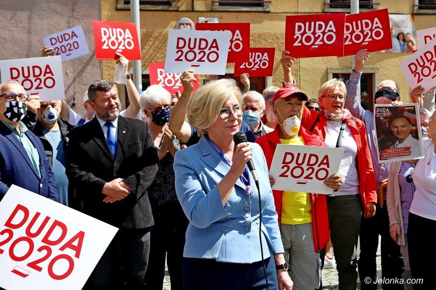 Jelenia Góra: Wiceminister podsumowała kampanię prezydenta