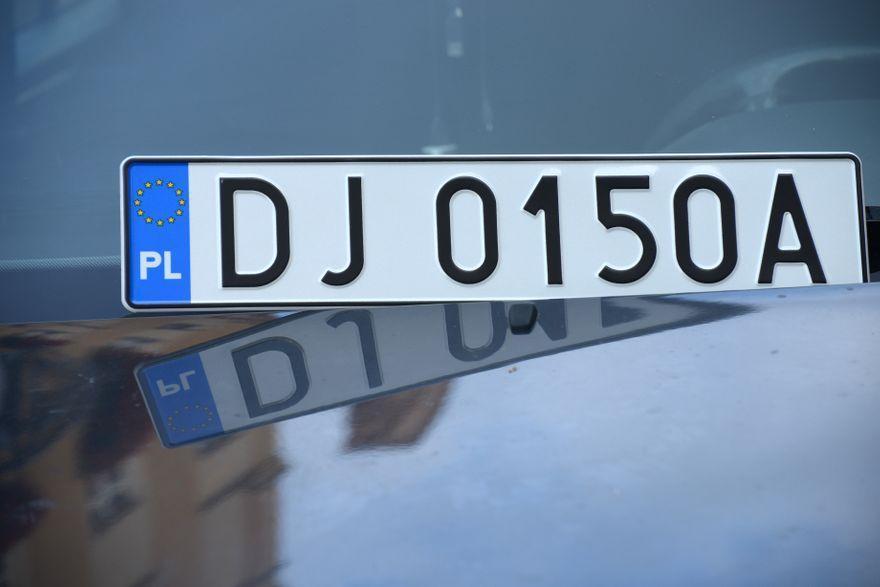 Jelenia Góra: W mieście przybywa aut z literą A