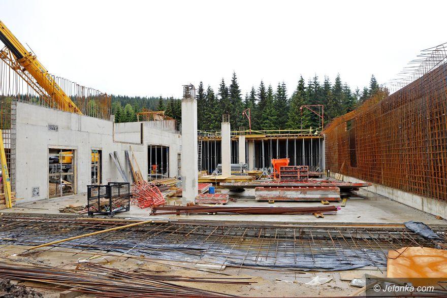 Szklarska Poręba: Trwa budowa nowoczesnego obiektu na Polanie Jakuszyckiej