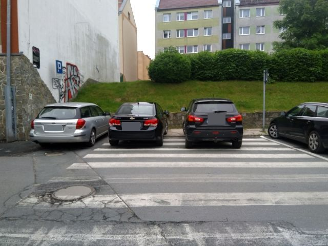 Jelenia Góra: Parking na... przejściu