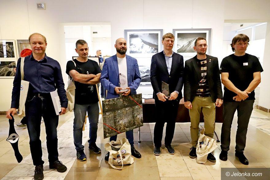 Jelenia Góra: XXI Biennale Fotografii Górskiej rozpoczęte