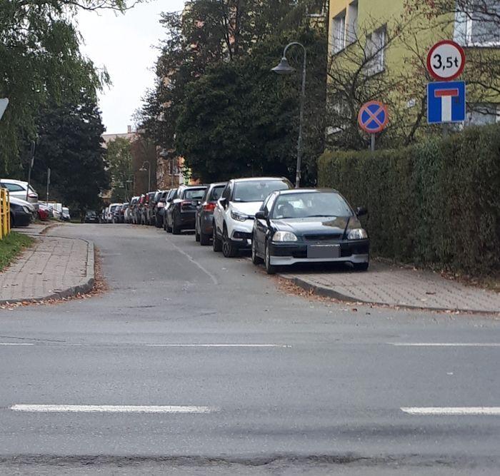 Jelenia Góra: Chodniki to nie parking