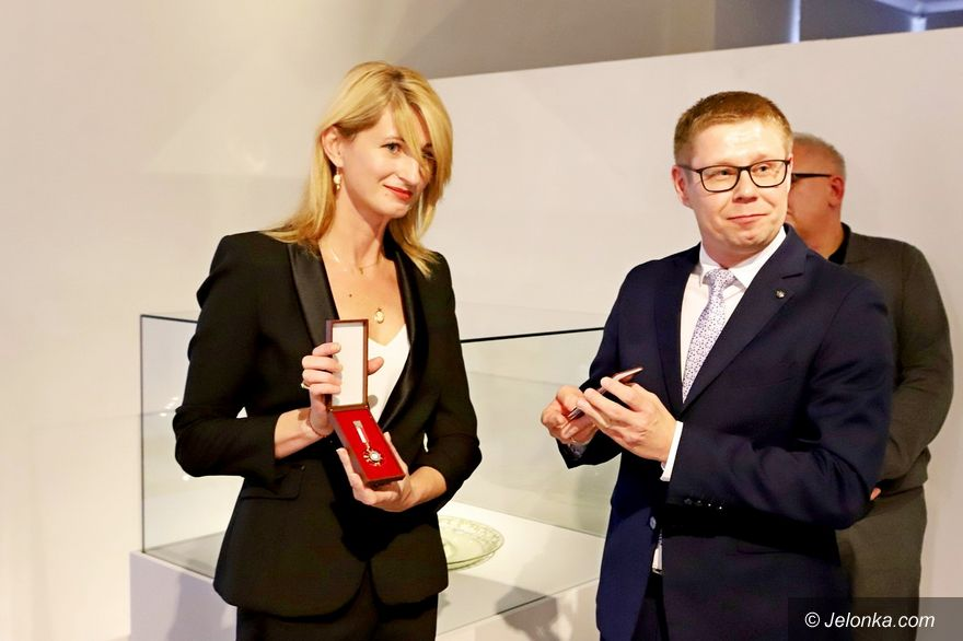 Jelenia Góra: Eliza Szwed z medalem od ministra kultury