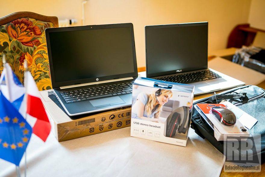Marciszów: Gmina pożyczy laptopy