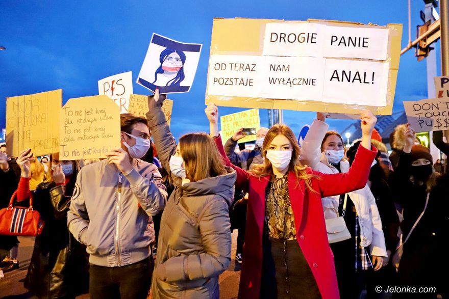 Jelenia Góra: Kobiety nie odpuszczają, kolejny protest