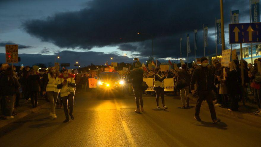 Jelenia Góra: Tysiące ludzi wyszło w Jeleniej Górze na ulice