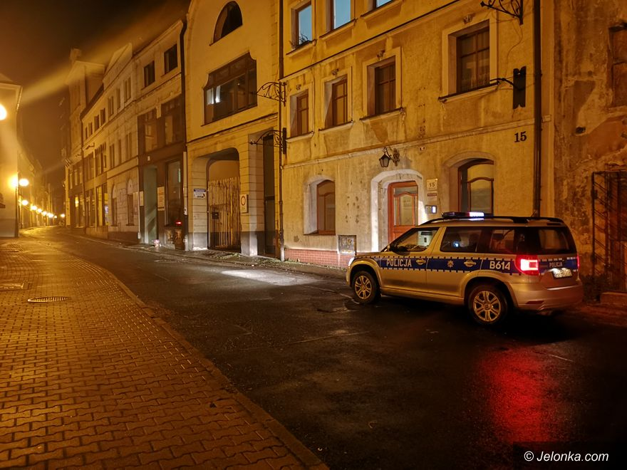 Jelenia Góra: Policja pilnowała biura PiS