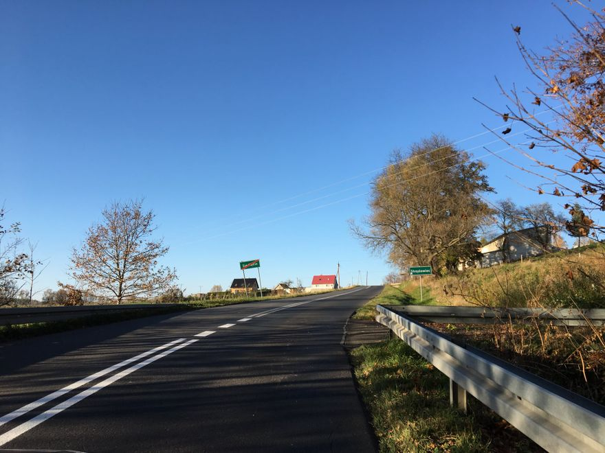 Powiat: Odnowa oznaczeń na drogach powiatu