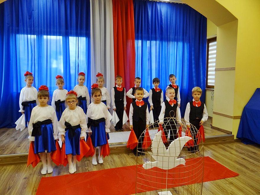 Jelenia Góra: Patriotyczny przegląd przedszkolaków
