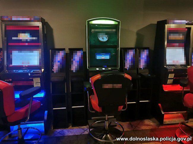 Lubań: Zabezpieczyli nielegalne automaty do gier