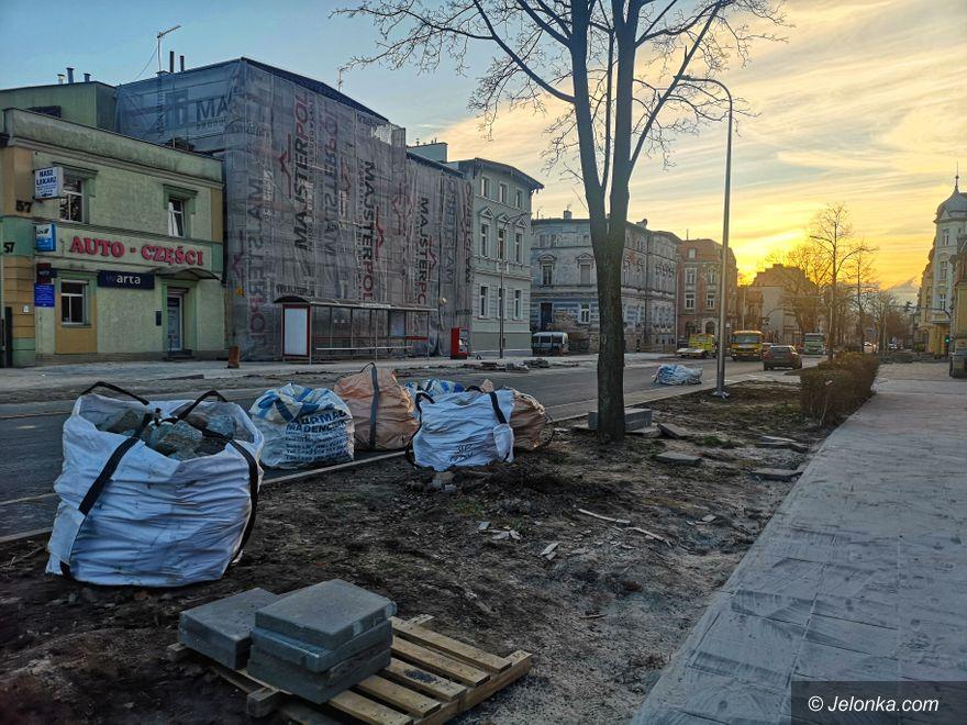 Jelenia Góra: Remont alei Wojska Polskiego potrwa znacznie dłużej