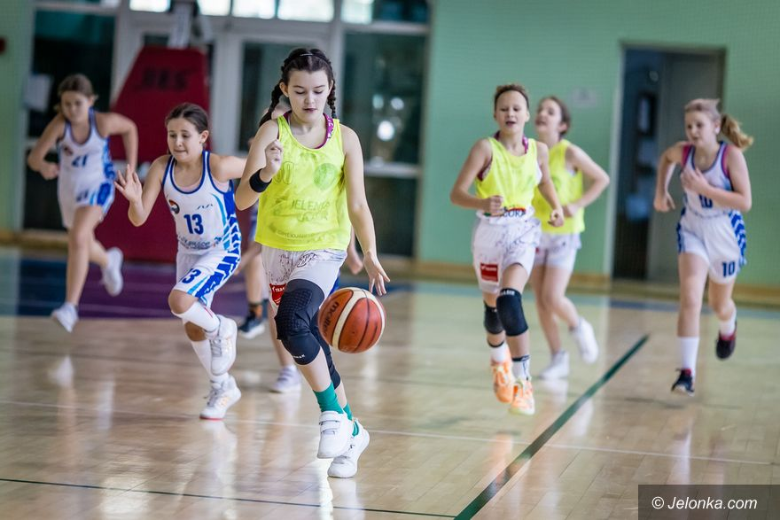 Jelenia Góra: Dzieci marzły, ale grały