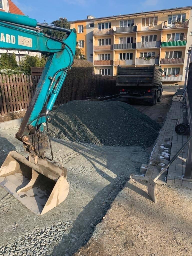 Kamienna Góra: Odnowiono fragment ulicy