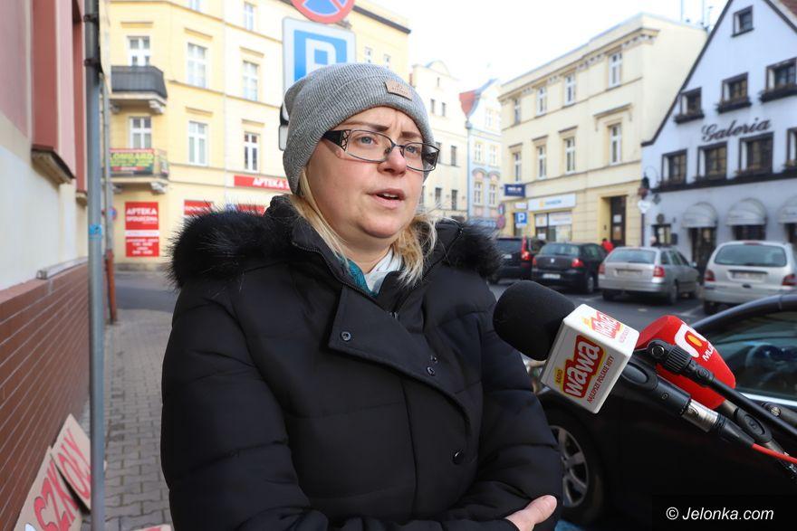 Jelenia Góra: Chcą powrotu do szkół!