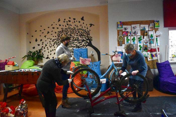 Mysłakowice: Kwiaty w... rowerach