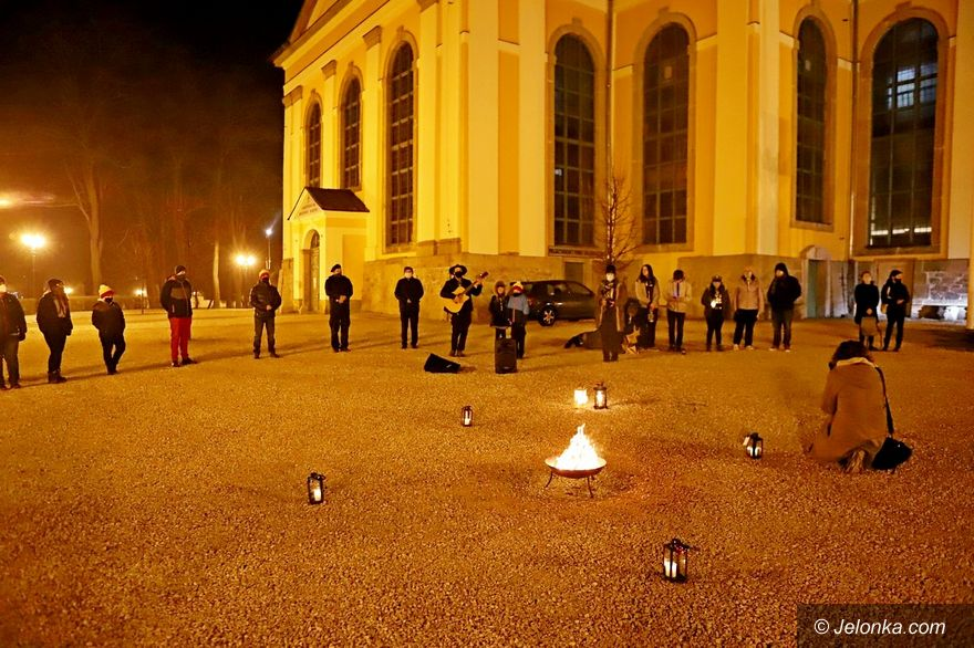Jelenia Góra: Harcerze przekazali światełko betlejemskie