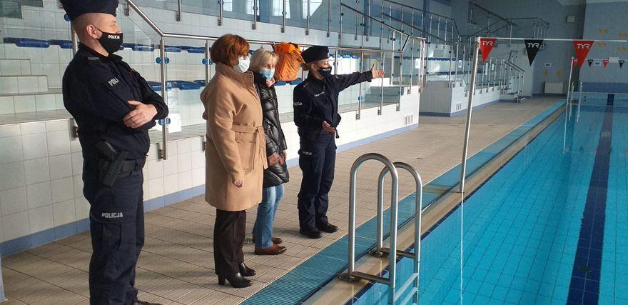 Jelenia Góra: Wspólne działania policji ze służbami sanitarnymi