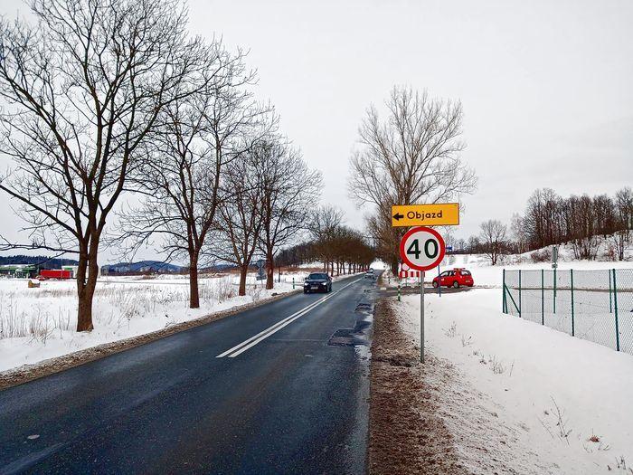 Łomnica: Zapadlisko na drodze