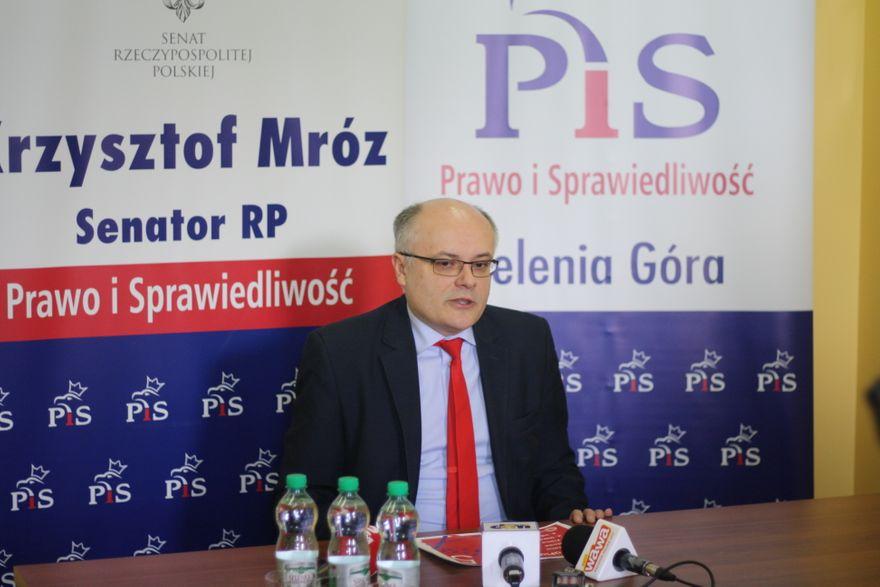 Jelenia Góra: Senator Krzysztof Mróz o opłatach za odpady (komunikat)