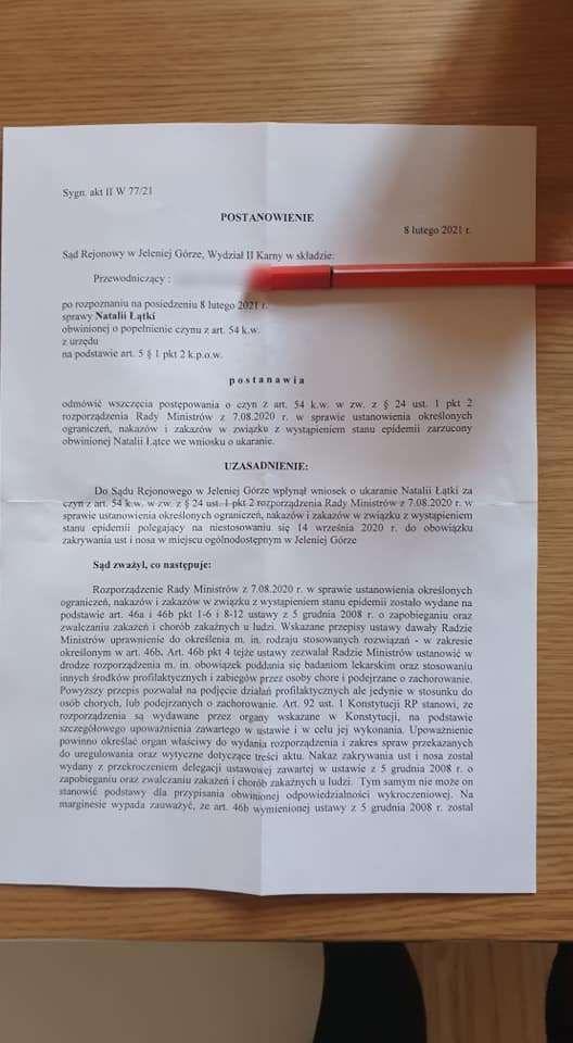 Jelenia Góra: Sąd nie ukarał za brak maseczki