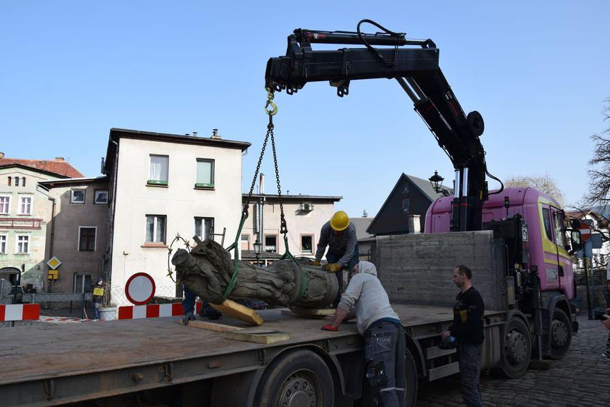 Kowary: Rozpoczęła się rozbiórka mostu w Kowarach