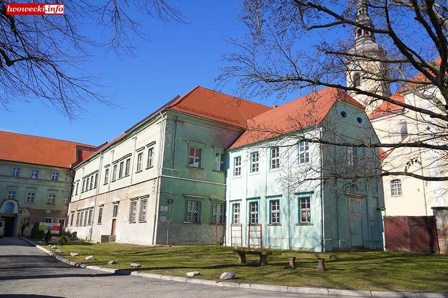 Lubomierz: Klasztor do remontu