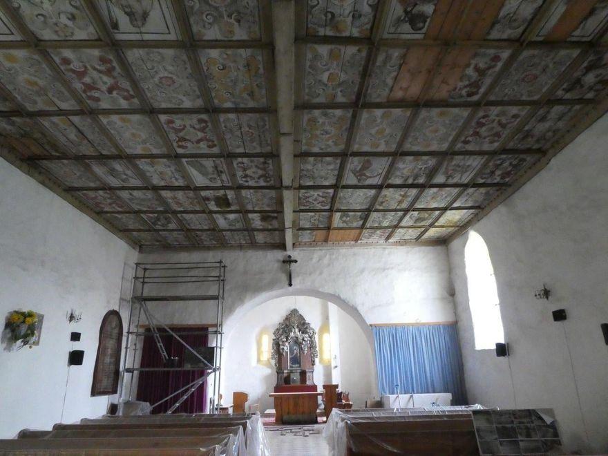 Olszyna: Renowacja stropu w olszyńskim kościele
