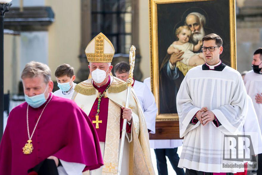 Krzeszów: Diecezjalne sanktuarium