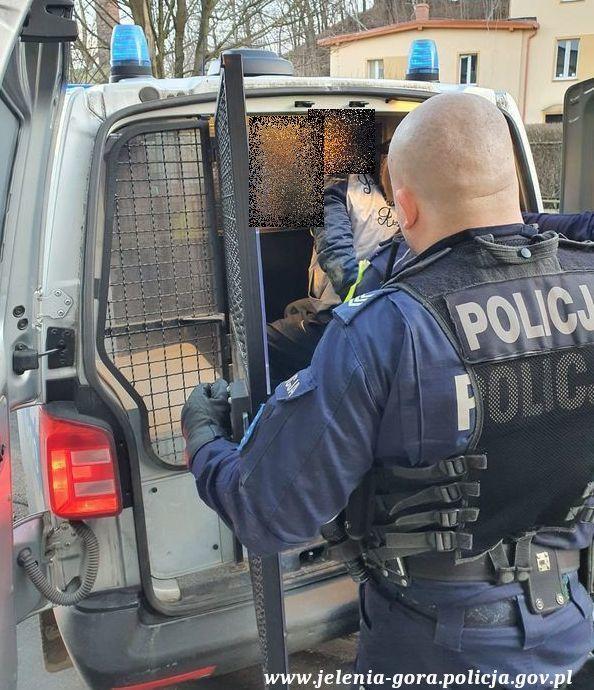 Jelenia Góra: Złodziej samochodu został zatrzymany