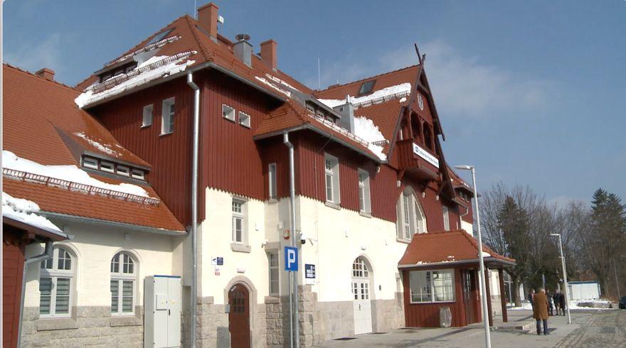 Jelenia Góra: Odnowiony dworzec został już oddany do użytku