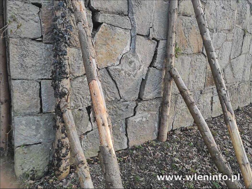 Wleń: A mur niszczeje...