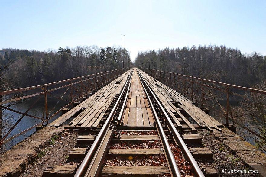 Region: Cyklostrada na linii kolejowej do Lwówka Śląskiego [PRIMA APRILIS]
