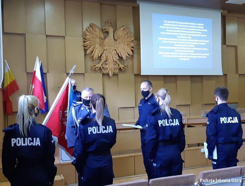 Jelenia Góra: Uroczyste ślubowanie młodych policjantów