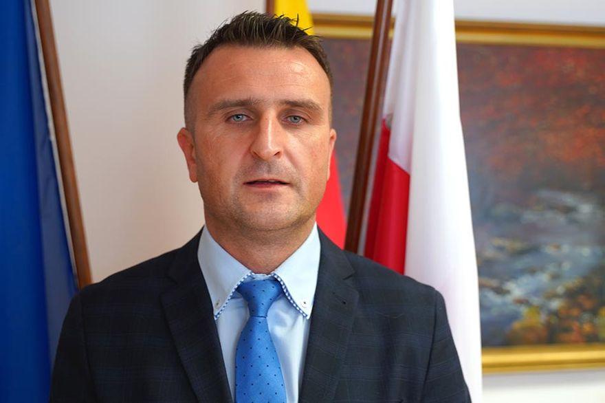 Powiat Lwówecki: Szkoły w komplecie