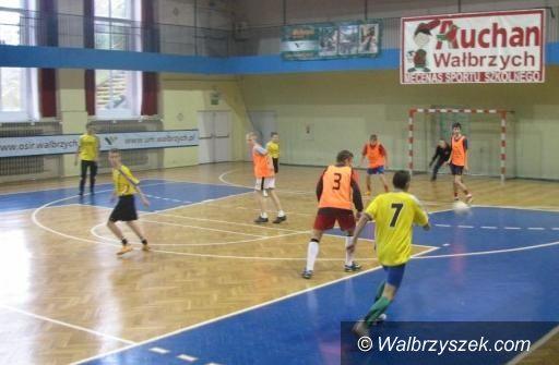 Wałbrzych, OSiR: SZS: PG 5 mistrzem piłkarskiej gimnazjady