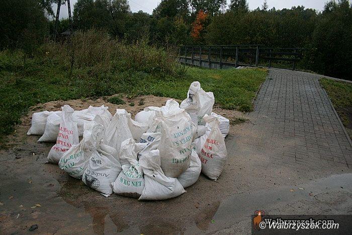 Wałbrzych/REGION: Deszcz ciągle pada i szybko nie przestanie