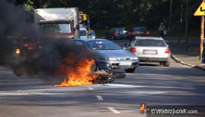 Wałbrzych: Płonący motocykl
